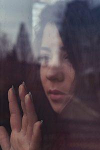 Imagem - pensamentos e sentimentos negativos